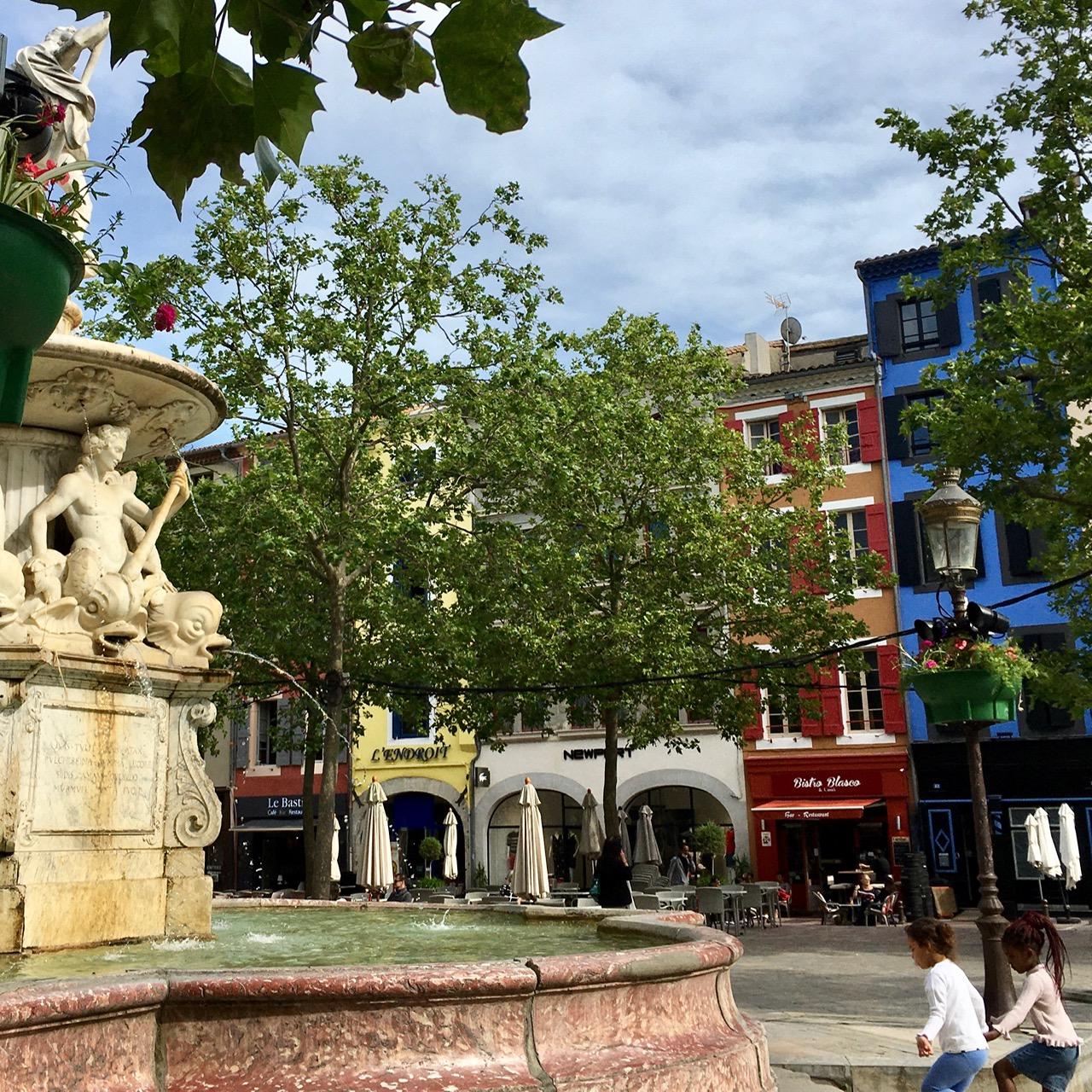 Carcassonne Bastide Saint Louis Place Carnot